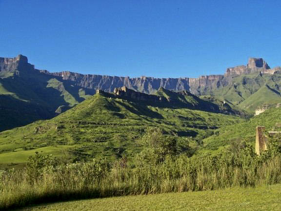 Drakensberg Mountains loacted on the southeast coast of South Africa